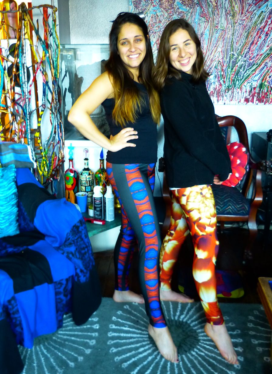 Lea and Marjorie in Leggings